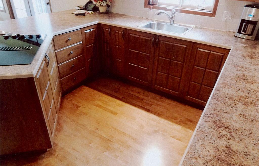 Design armoire de cuisine bois avignon 37 armoire de for Article de cuisine laval